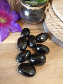 Zwarte Toermalijn Trommelsteen rond 20-40 gram.