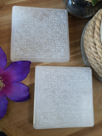 Seleniet plaat vierkant 10cm met gegraveerde Mandala
