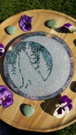 Edelstenen grid raster / kristalraster met de Levensbloem / Flower of life, Wolf en Maan (nr 3)