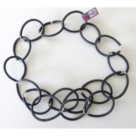 AnZZ ketting zwarte ovale ringen