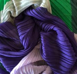 A-zone sjaal paars groen vlakken print ,plisse, 140x140 cm!