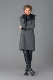 ELSEWHERE tuniek met v-hals,  zwart licht grijs ruitje . STYLE 3154