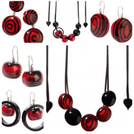 ZSISKA oorbellen rood -donker- zwart SATURN.