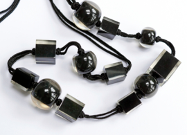 ZSISKA necklace black long Cubes & Balls