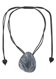 ZSISKA ketting grijs zwarte  streep hanger, EDEN