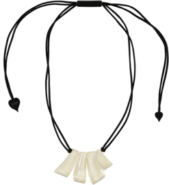ZSISKA necklace white 4 beads EMOCION