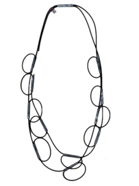 AnZZ necklace rubber with grey marbled beads.
