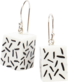 ZSISKA earrings white black MEMPHIS CUBES