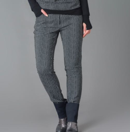 ELSEWHERE broek, basic style in subtiel ruitje. STYLE 3156