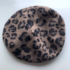 Beret taupe black leopard print, knitted felt. Catch me