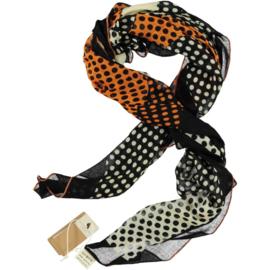 A-ZONE sjaal zwart wit met oranje accent polka dots, 105 x 105 cm