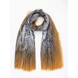 Sjaal oker grijs reptiel print. 60 x 180 cm