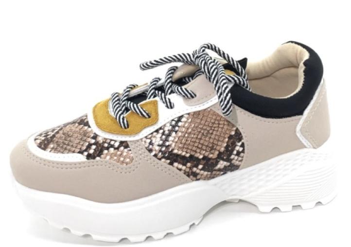 Kayla - Sneaker Snake