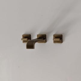 Square tap