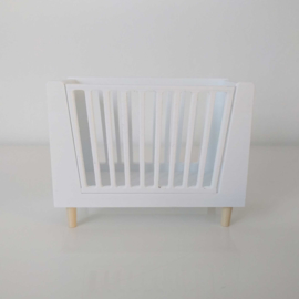 Cot with removable side