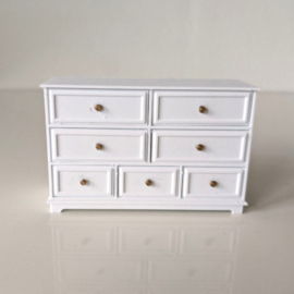 Dresser IV