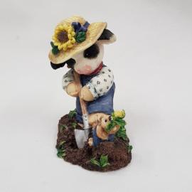 Moo Moo's 207098 Mary Rhyner