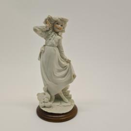 A Belcari beeld van een meisje met eendjes