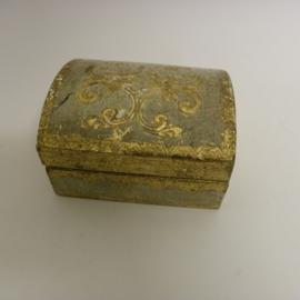 Oud sieraden kistje C.v.Belkom