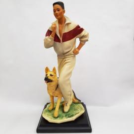 Vittorio Tessaro Goebel beeld sportende dame met herdershond