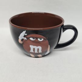 Ms.Brown grote kom van M&M