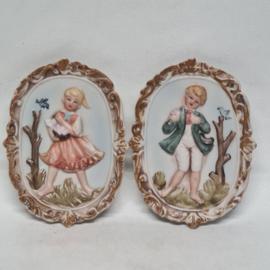 Mini schilderijtjes van bisquit porselein