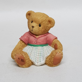 A mother gives 112454 Cherished Teddies