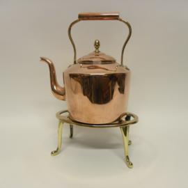 Rood koperen ketel met messing stoof(opruiming)