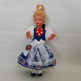 Doll's Trachtten klederdracht poppetje