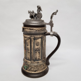 Brandenburger Tol prachtige bierpul afgewerkt met tinnen paard en wagens