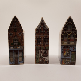 Polychroom huisjes handpainted 3 stuks