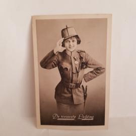 Ansichtkaart uit 1917 De nieuwste lichting