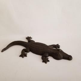 Gietijzeren krokodil