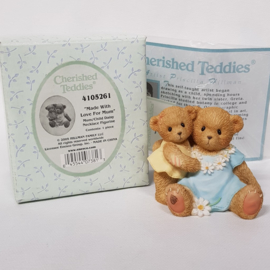 4105261 Cherished Teddies Made with love from mum - compleet