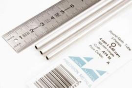 AT4M Pijp rond  buiten 4mm dikte 0,45mm binnen 3,1mm  lengte 30,5mm  3 stuks