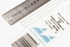 MAT08 Pijp rond  buiten 0,8mm dikte 0,1mm binnen 0,7mm  lengte 30,5mm  3 stuks