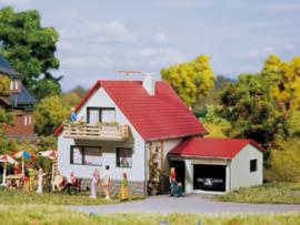 12222 Huis met garage