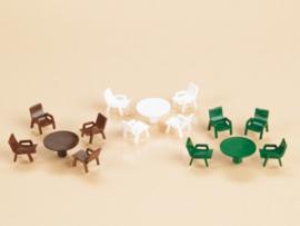42647 Tafels en stoelen