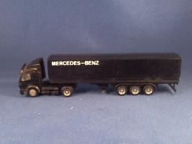 Mercedes Benz vrachtwagen
