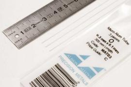 MAT03 Pijp rond  buiten 0,3mm dikte 0,1mm binnen 0,1mm  lengte 30,5mm  3 stuks