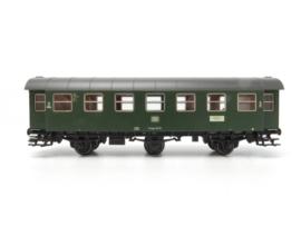 4318 Umbaurijtuig B3ygeb 761 van de Deutsche Bundesbahn (DB). 2de klasse