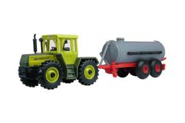 12234 Tractor met mestaanhanger