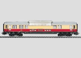 4090 TEE-panoramarijtuig ADüm 101 van de Deutsche Bundesbahn (DB). 1ste klasse