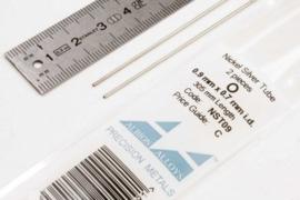 NST09 Pijp rond buiten 0,9mm dikte 0,1mm binnen 0,7mm lengte 30,5mm 2 stuks