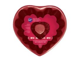 Wilton Fluted Tube Heart Pan -20cm-