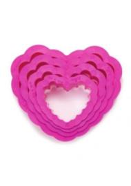 Set van 6 hartvormige uitstekers met kartelrand