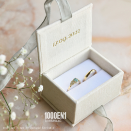 Ring box classic natural  with green ribbon