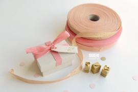 Ringendoosje met tag(s) natuurlinnen & roze strik