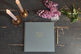 Gastenboek  linnen 24 cm x 24 cm