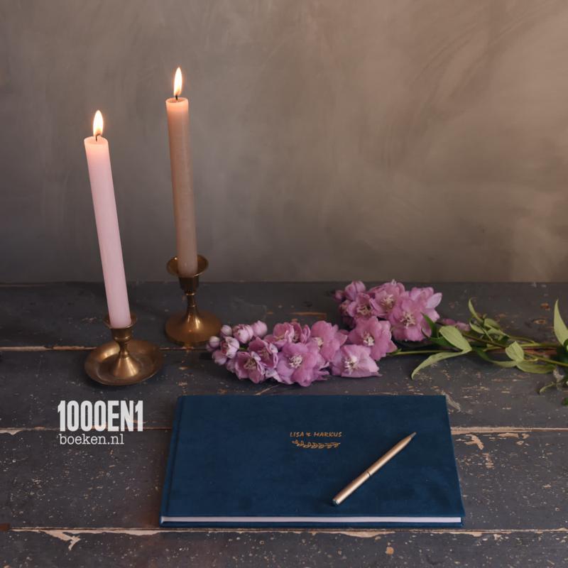 Guest book Velvet 18 cm x 28 cm / 7 inch x 11 inch